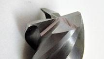 刃先交換式エンドミルの再研磨事例